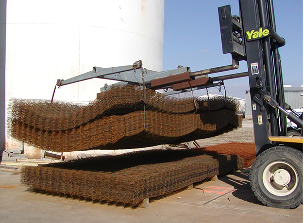 Take the hard work and hassle out of loading and moving wire mesh