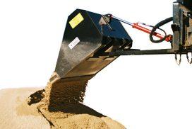 Hydraulic bucket dumping sand